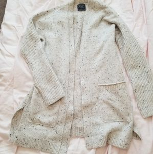 Abercrombie and Fitch cream sweater cardigan